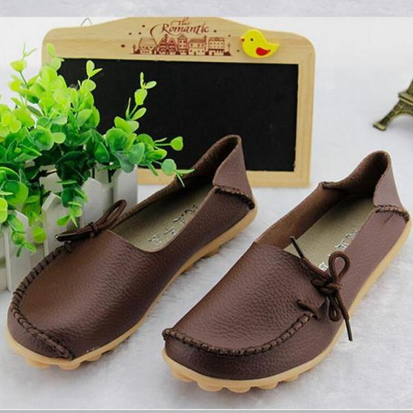 Women's Leather Leisure Soft-soled Flat Shoes